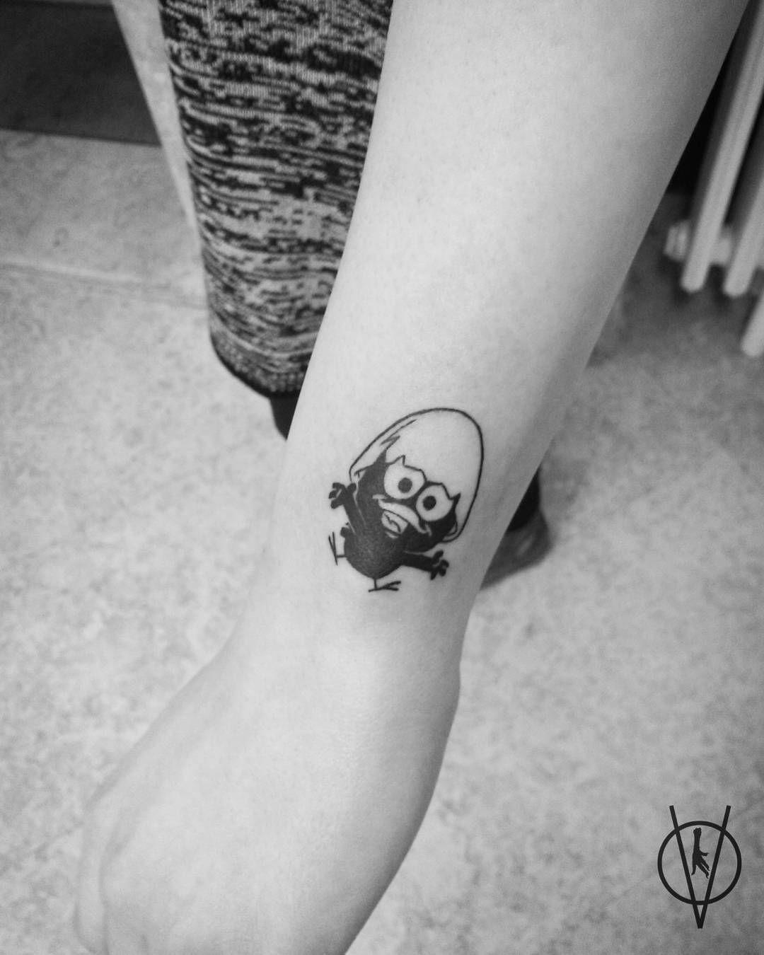 Kalimero :) ····· @tattoospotns ····· #tattoo #tattoos #tattooed #ink #inked #tattooshop #tattooart #drawing #illustration #calimero #btattooing #blackworkerssubmission #blacktattooart #blxckink #inkstinctsubmission #tattooartistmagazine #tattooistartmagazine #tattooistartmag #novisad #custom #customtattoo #cartoon #inkedgirls #girlswithink #tattooedgirls #girlswithtattoos #black #blackandgray