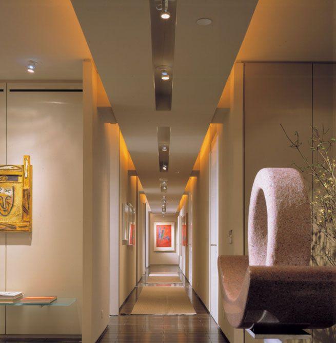 focos para iluminar pasillos largos y estrechos