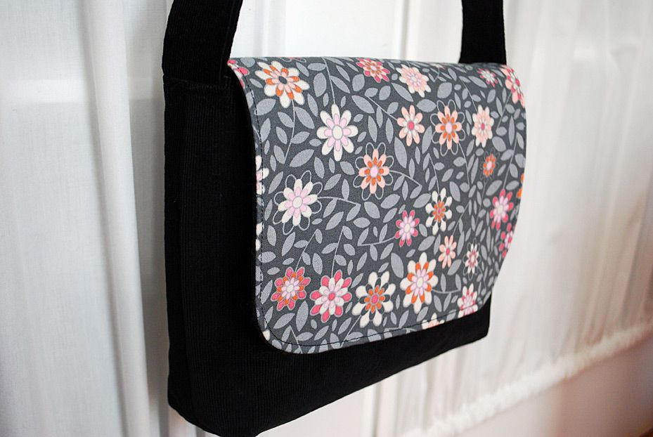 Kid-sized Messenger Bag Free Pattern and Sewing Tutorial ...