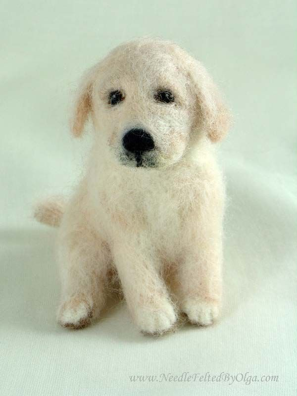 http://www.needlefeltedbyolga.com/images/golden-retriever-puppy-felted-2010-1.jpg