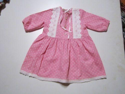 Puppenkleid mit Punkten Kleidung & Accessoires