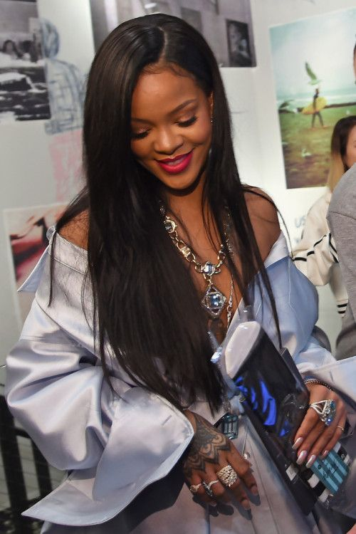 rihanna bisexual Is straight or