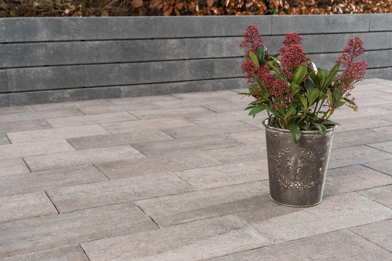 Beeteinfassung Beton natura pflastersteine in holzdielenoptik holzdielen beton