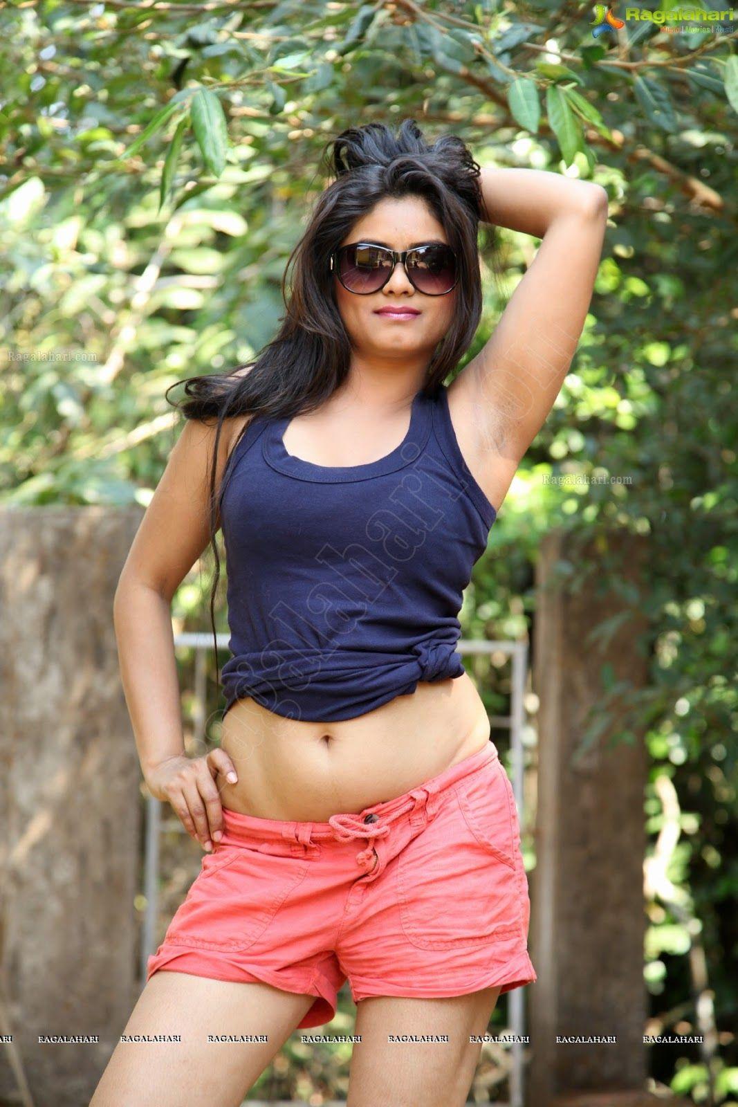 Hot Armpit,Actress Armpit,Indian Armpit,Actress Armpit -4603