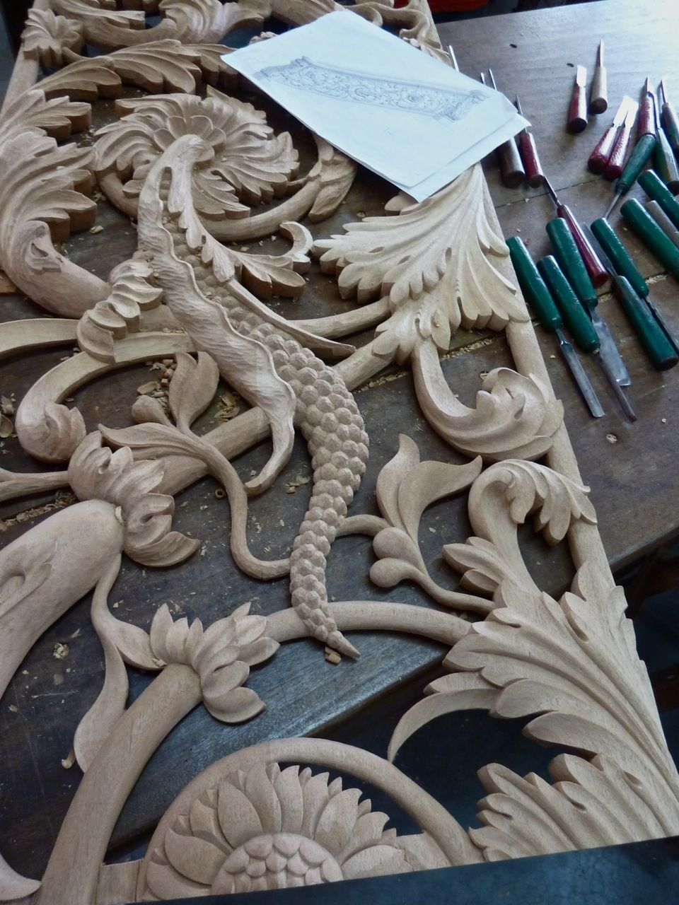Best Wooden Carved Stair Railing Wood Carving Carved Wood 400 x 300