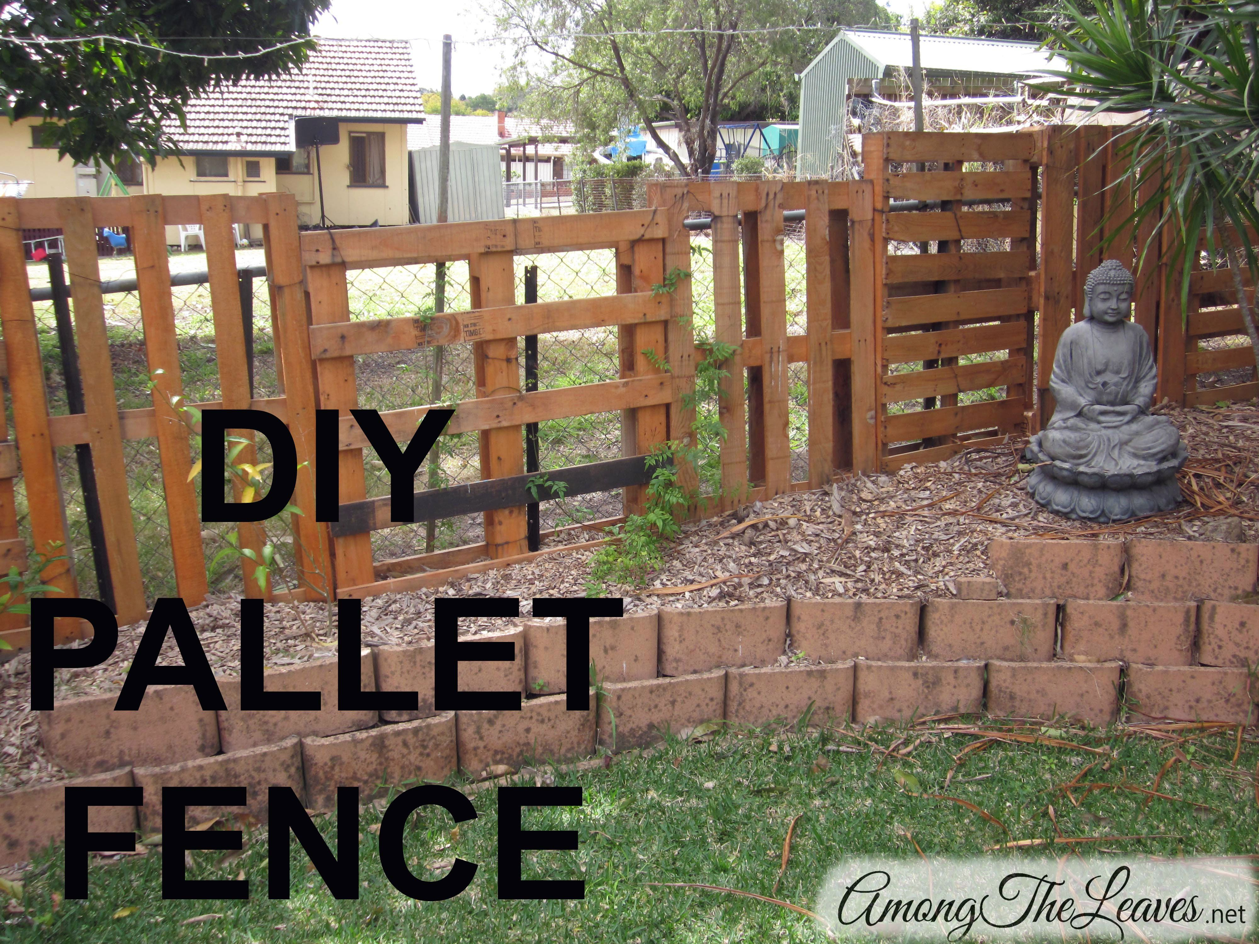 Diy pallet fence this is a great and inexpensive alternative to diy pallet fence this is a great and inexpensive alternative to a fence or baanklon Choice Image