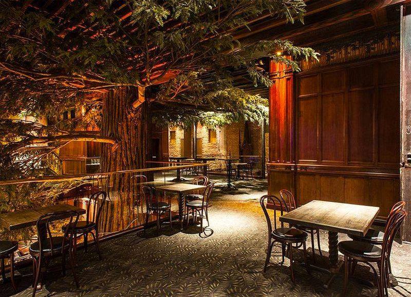 13 Crazy Novelty Restaurants In Los Angeles Los Angeles Attractions Los Angeles Restaurants Hosting Visitors