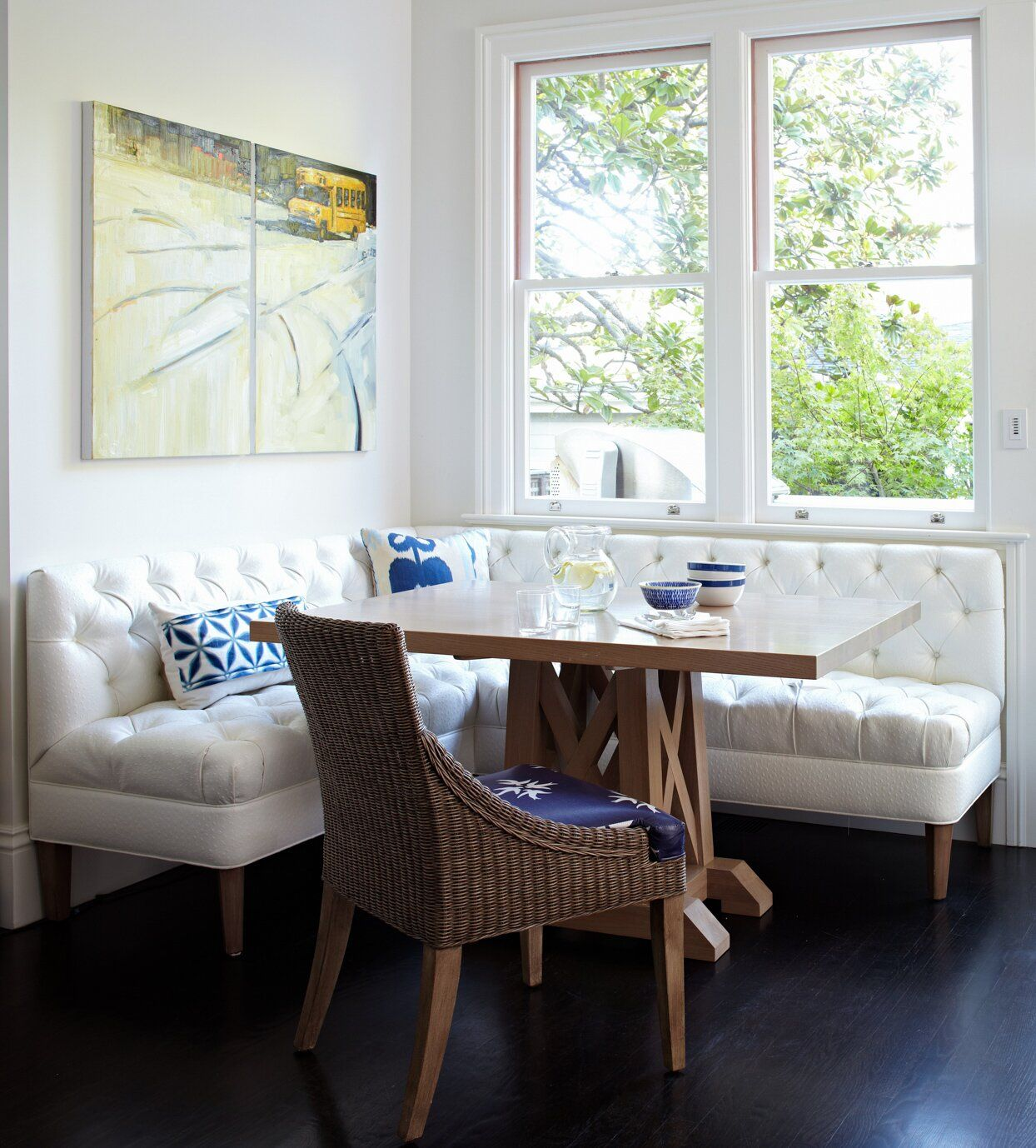 25 Eat-In Kitchens Perfect for Casual Family Dining