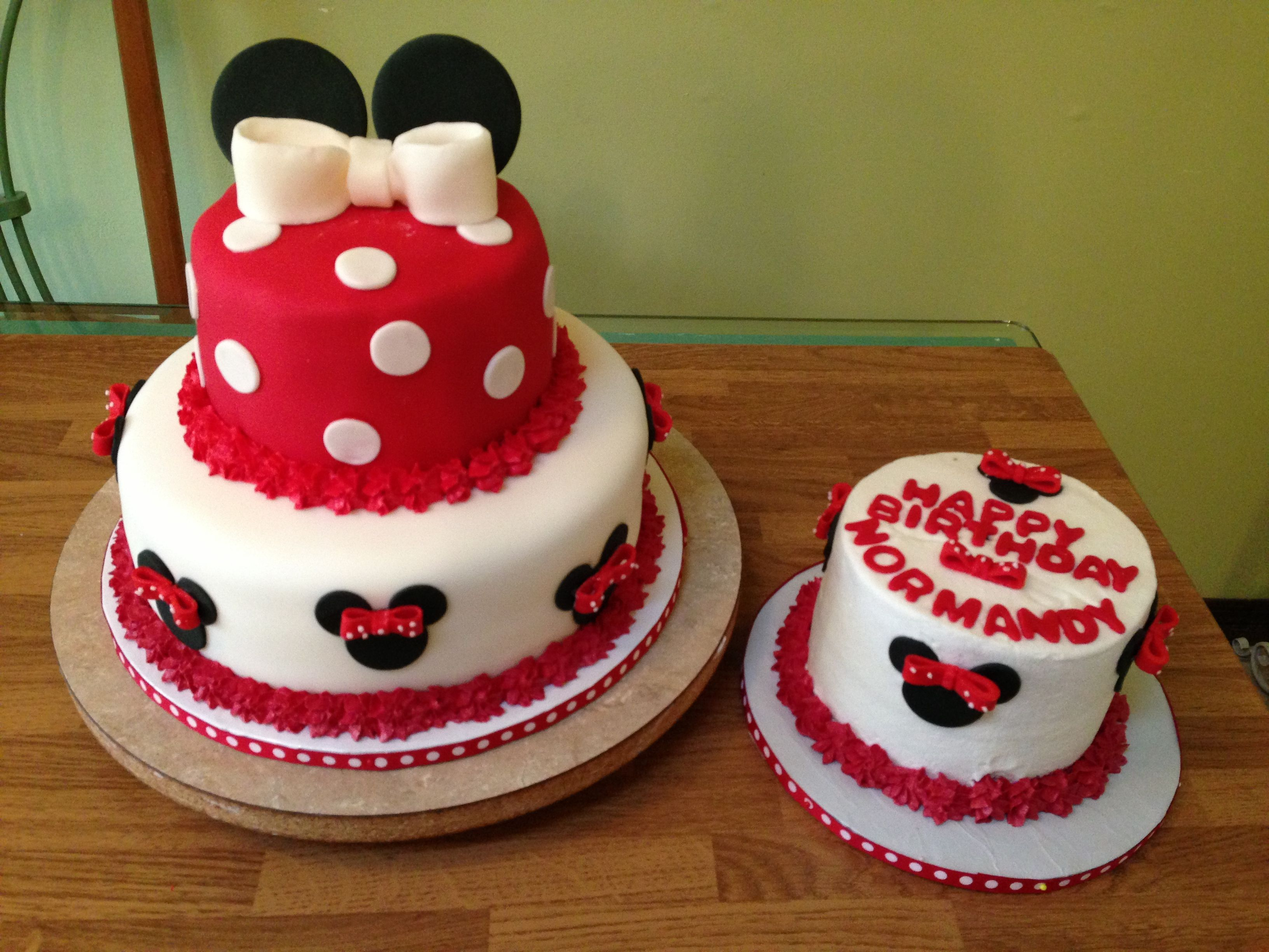 Minnie Mouse first birthday cake Kuirky Cakes Pinterest Minnie