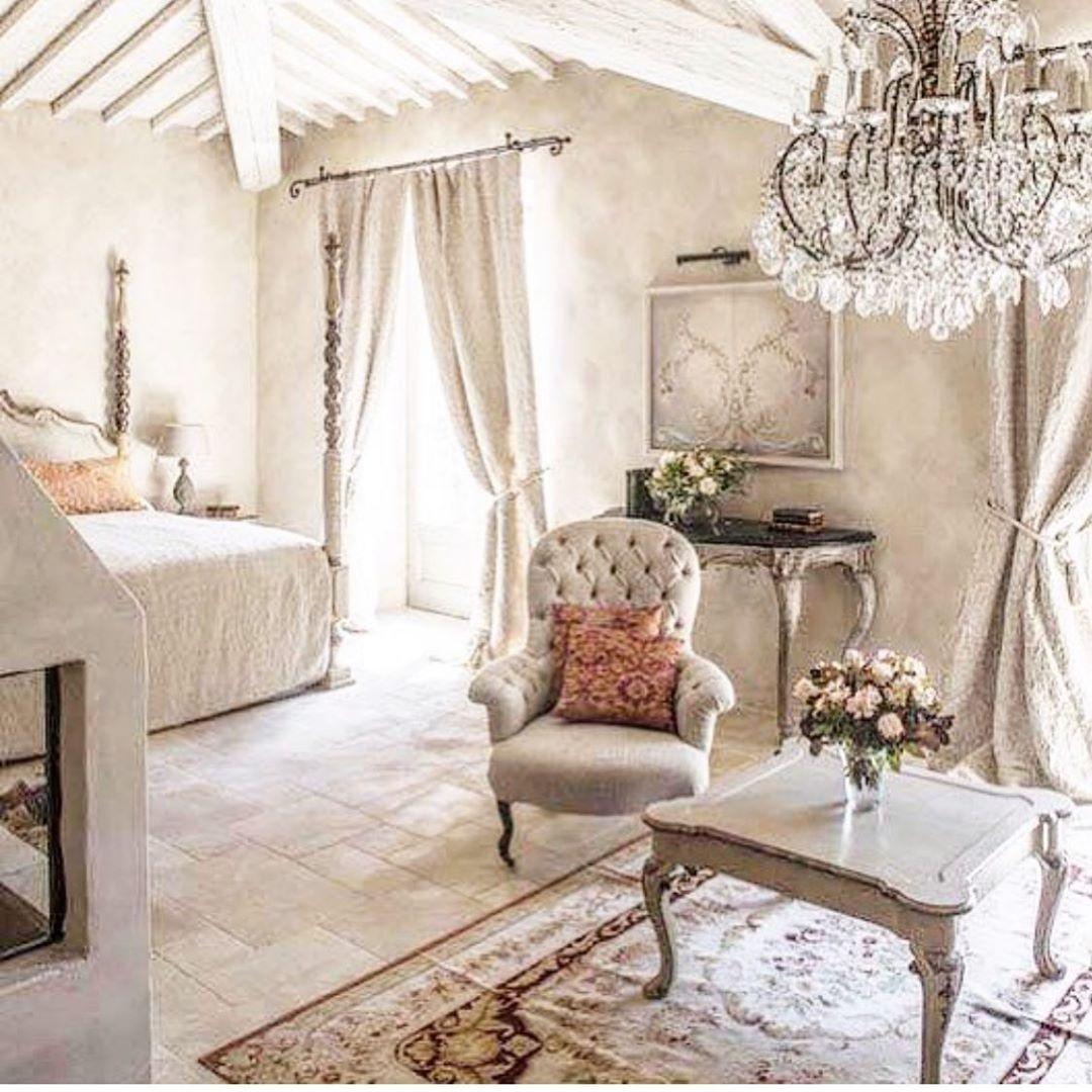 Epingle Par Cendrine Uliaque Sur Maison De Campagne En 2020 Decoration Interieure Deco Decoration