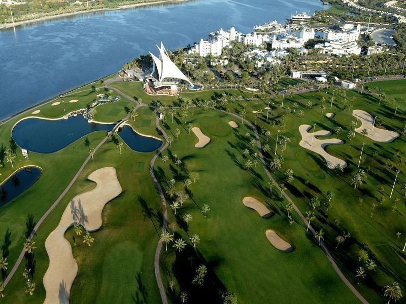 Dubai Park Hyatt Hotel Dubai United Arab Emirates Middle East Ideally Located In The Prime Touristic Area Of Deira Park Dubai Golf Dubai Hotel Dubai Holidays