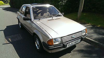Ford Escort 1.6 Ghia 5 Door, 1983 Y, One Owner   - http://classiccarsunder1000.com/?p=79217