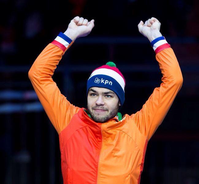 Shorttrack is hot! Sjinkie Knegt is de Europees kampioen, hij wint in Dordrecht de titel.