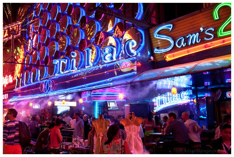 Tilac Bar, Soi Cowboy .. (tilac ( teerak) is the bar girl (BG) word for  'darling' etc..) but be careful if you hear it as t… | Places to travel,  Night life, Dancer