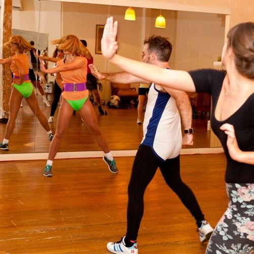 Cest chic, Physique - Work that body and get your 80s fix at an old-school aerobics class