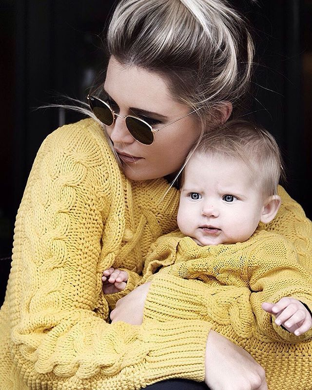 Yellow love! You two in the Holly & Whyte knits are so adorable @eimearvarianbarry #Lindex #HollyAndWhyte #Regram
