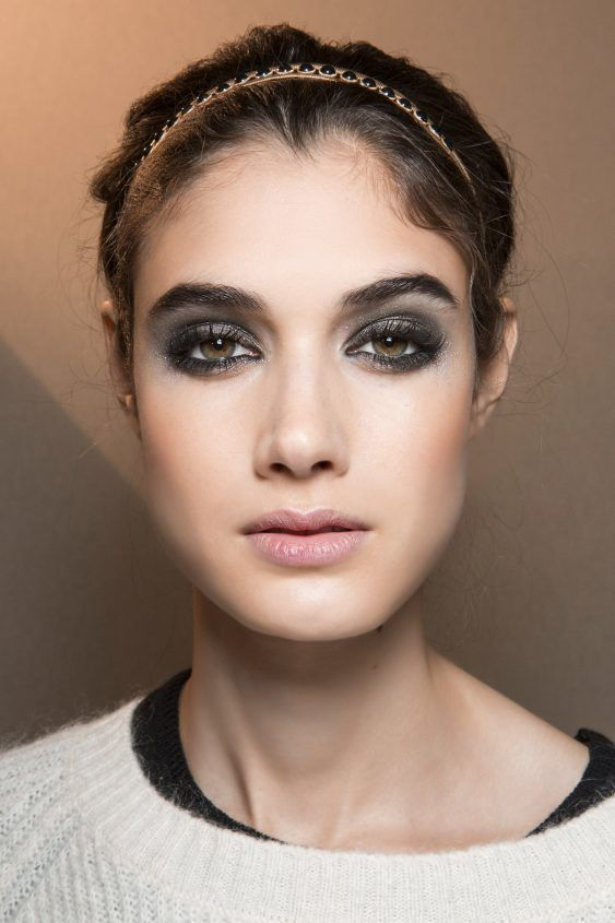 Makeup trends for Fall Winter 2017-2018: space grey for ...