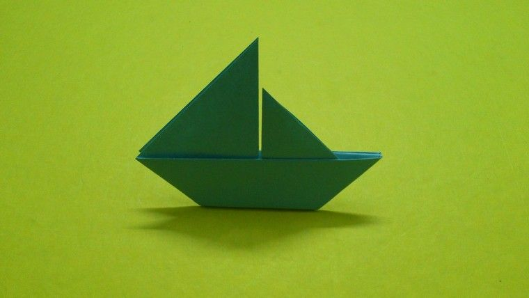 Comment faire un bateau en papier quelques tutoriels vid os de mod le origami bateau facile - Fabriquer un bateau en papier ...