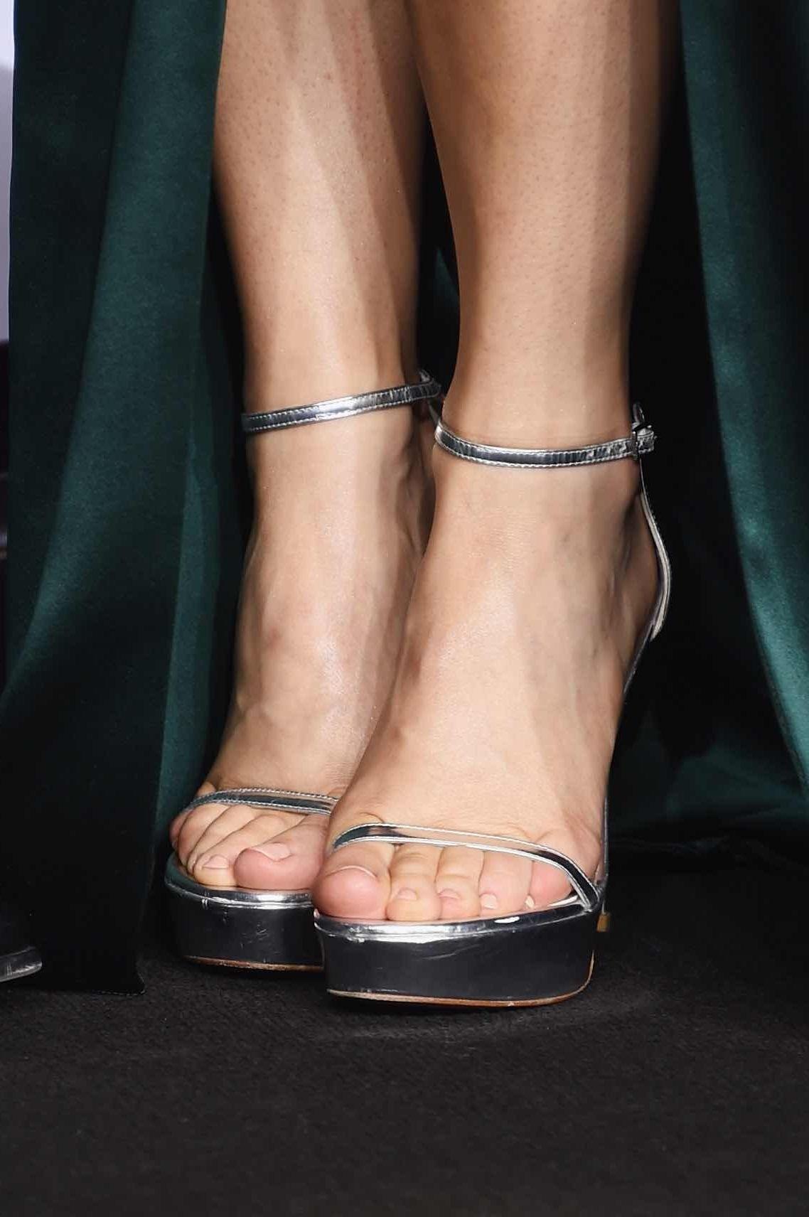 cameltoe Feet Rachel McAdams naked photo 2017