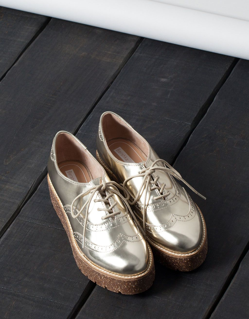 Sapato com pontos Bershka - Tudo - Bershka Portugal