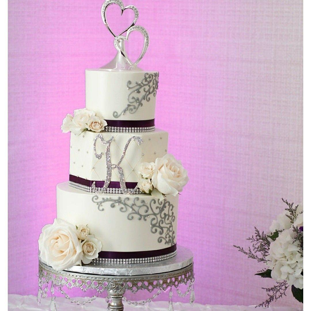 Thanks to Jovana Boksen the Artistic Whisk for doing my wedding cake ...