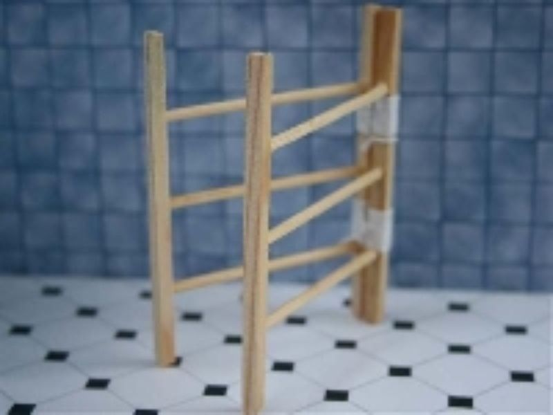 1:12 Scale Natural Finish Wooden Rabbit Hutch Tumdee Dolls House Miniature DOL