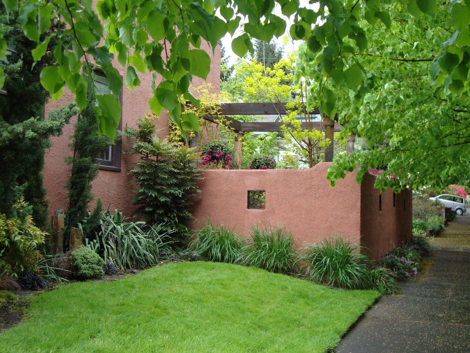 Stucco Fence Matches House Fence Gate Ideas