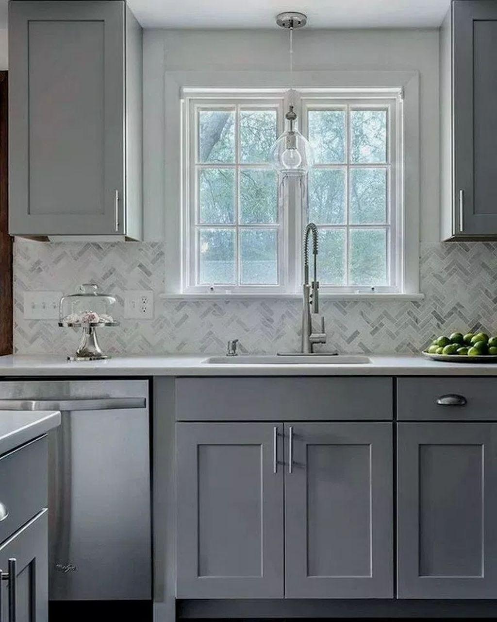 30 Gorgeous Grey And White Kitchen Design For Winter Season Kitchen Cabinet Design Kitchen Backsplash Designs Refacing Kitchen Cabinets