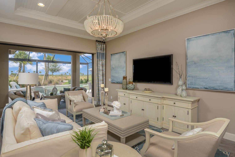 Discover Elegance Around Every Corner Livingroom Naples Sunshinestate Newhome Homesforsale Hacienda Great Rooms New Homes
