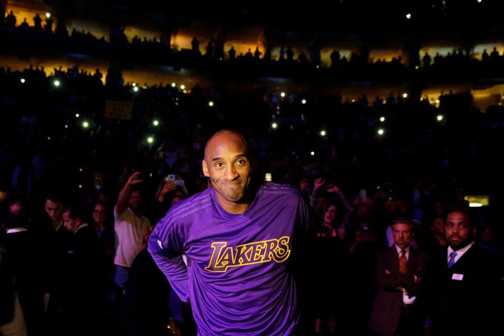 Kobe Bryant S Life In Photos Pics Kobe Bryant Pictures Lakers Kobe Bryant Kobe Bryant And Wife