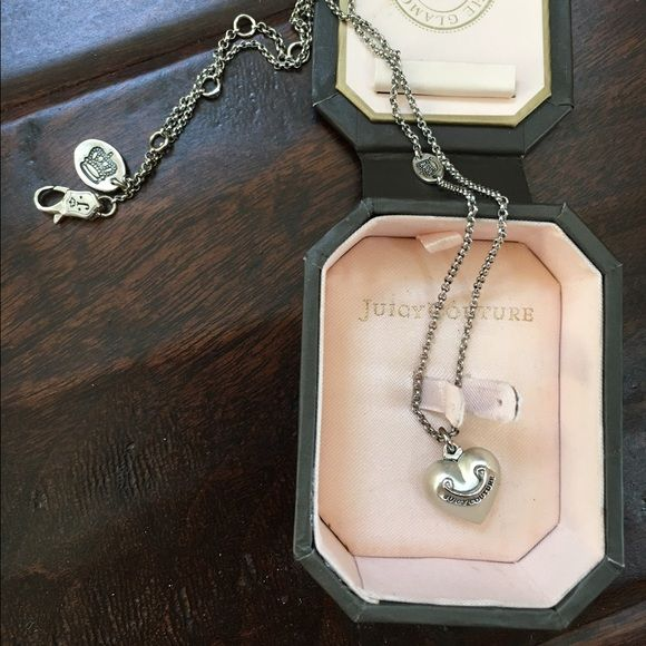 Juicy Couture Pearl Necklace In amazing conditions  can be adjusted to several lengths. Very cute details. Juicy Couture Jewelry Necklaces