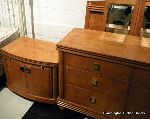 5Pc Hickory White Genesis Collection Bedroom Suite : Lot 18147 ...