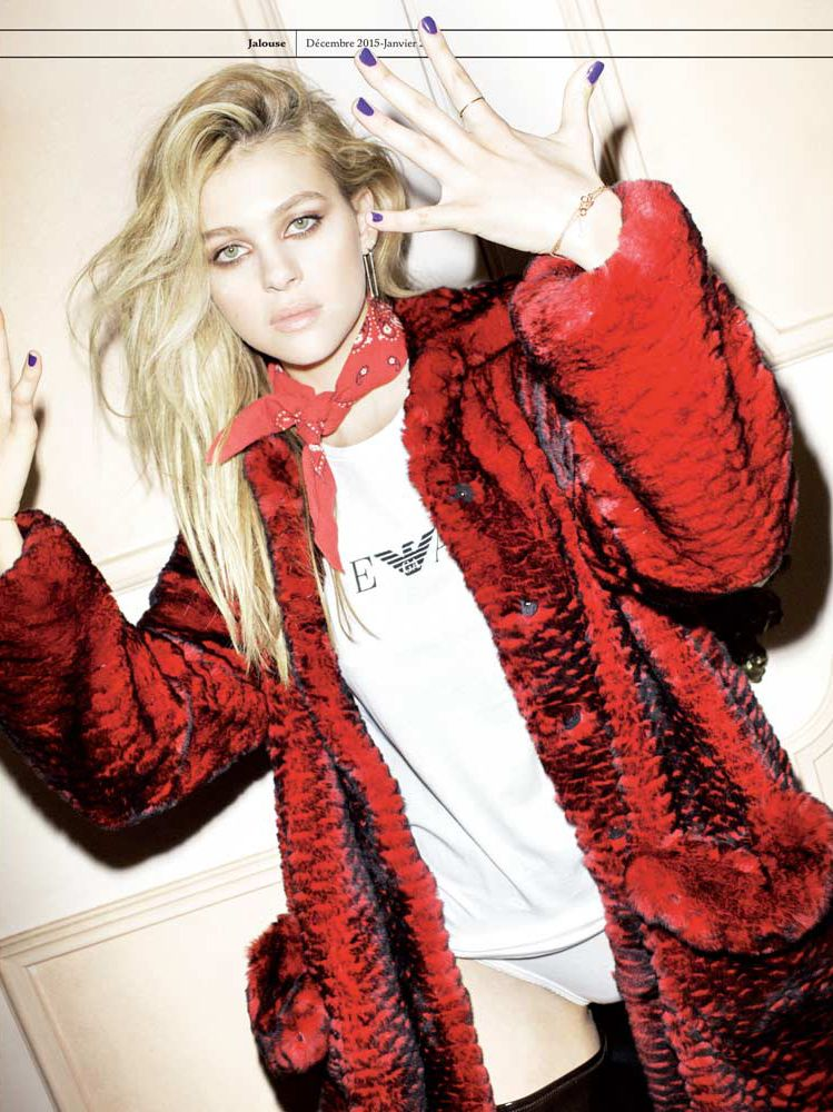 A Nicola Peltz pack of panty pictures in 2020 Fashion