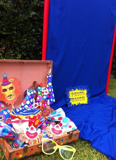 We Heart Parties: Party Ideas, Party Themes, Birthday Ideas, Baby Showers 20 Simple Circus Party Ideas + Free Circus Printables