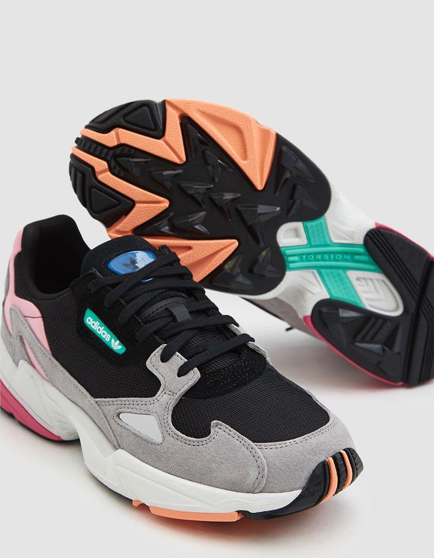 Adidas / Falcon Sneaker in Core Black