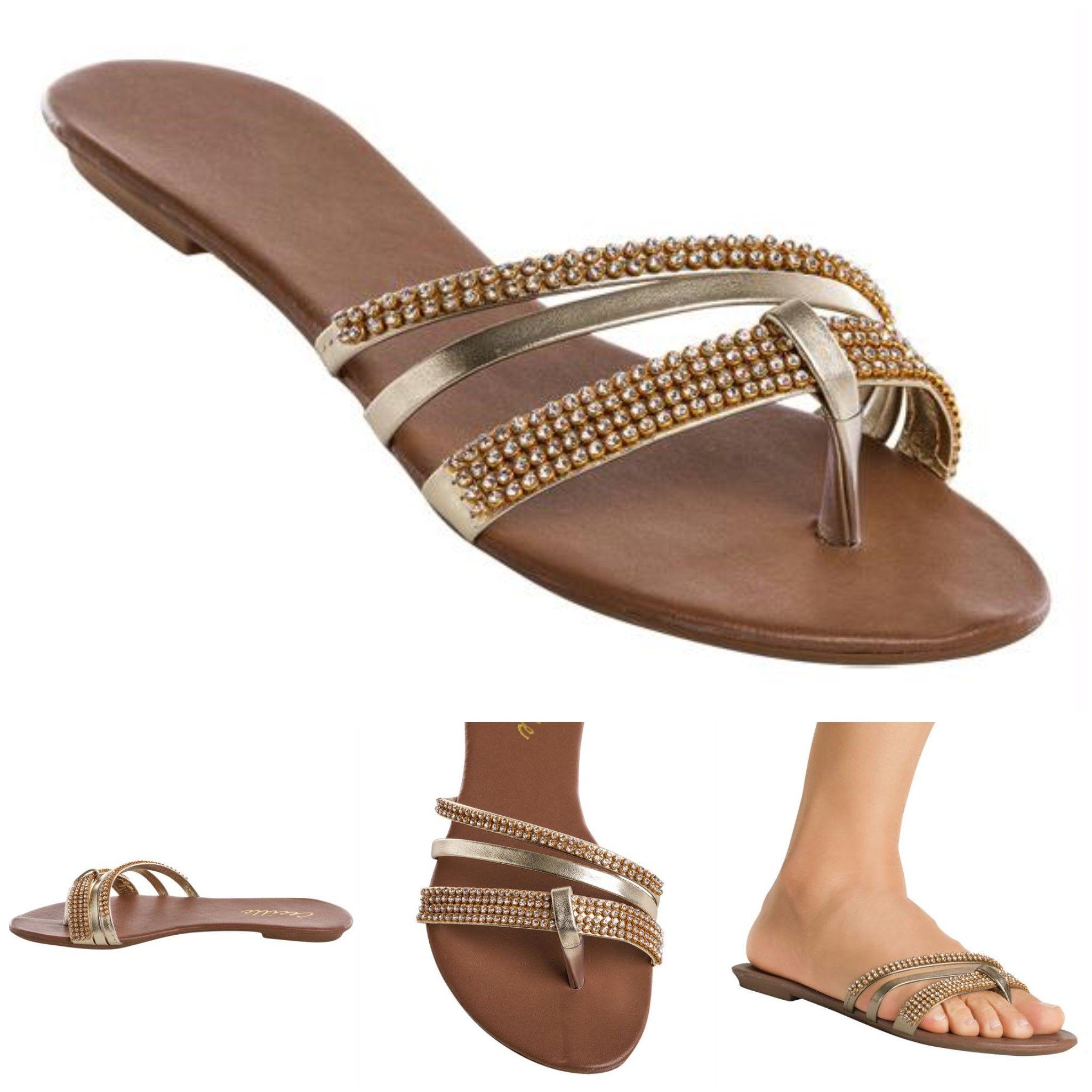 De sandalia azul da marca moleca