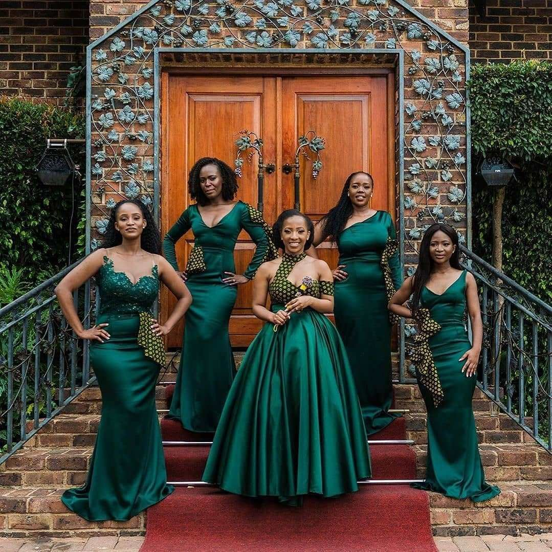Shweshwe Dresses Fshion In 2020 In 2020 African Bridesmaid Dresses African Bridesmaids African Traditional Wedding Dress