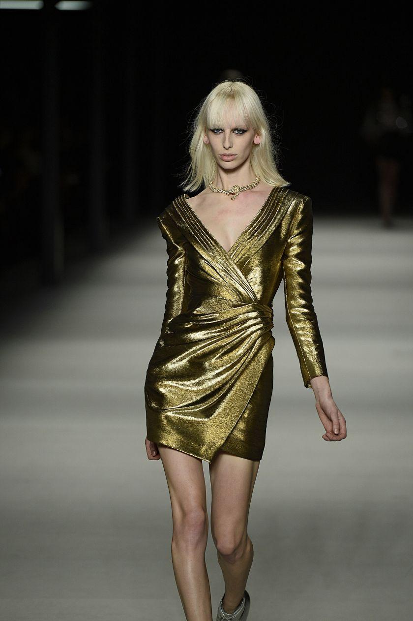 Saint Laurent metallisk gull kjole gold runway catwalk 2014