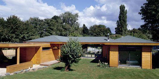 Maison bois plain pied architecture pinterest terasse bois plain pied et maison bois - Plan maison en bois plain pied ...