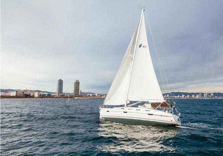 alquiler de veleros en Ibiza o Barcelona