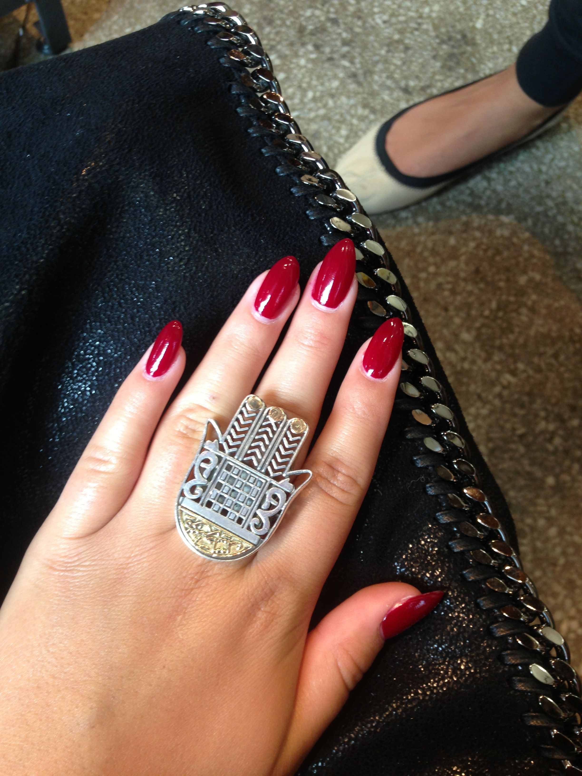 Red nails. #pointy