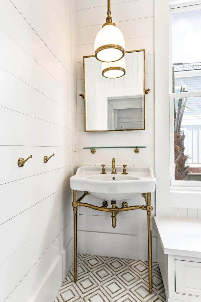 Photo of 18 beautiful marble bathrooms with brass and gold fittings