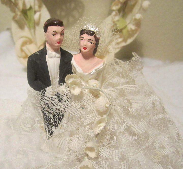 996bc085d3e ACA Vintage 1940 - 1950s Bride   Groom Wedding Cake Topper Chalkware Chalk  Ware