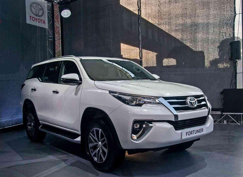 Toyota Fortuner 2021 Redesign In 2020 Toyota Suv Car Volkswagen
