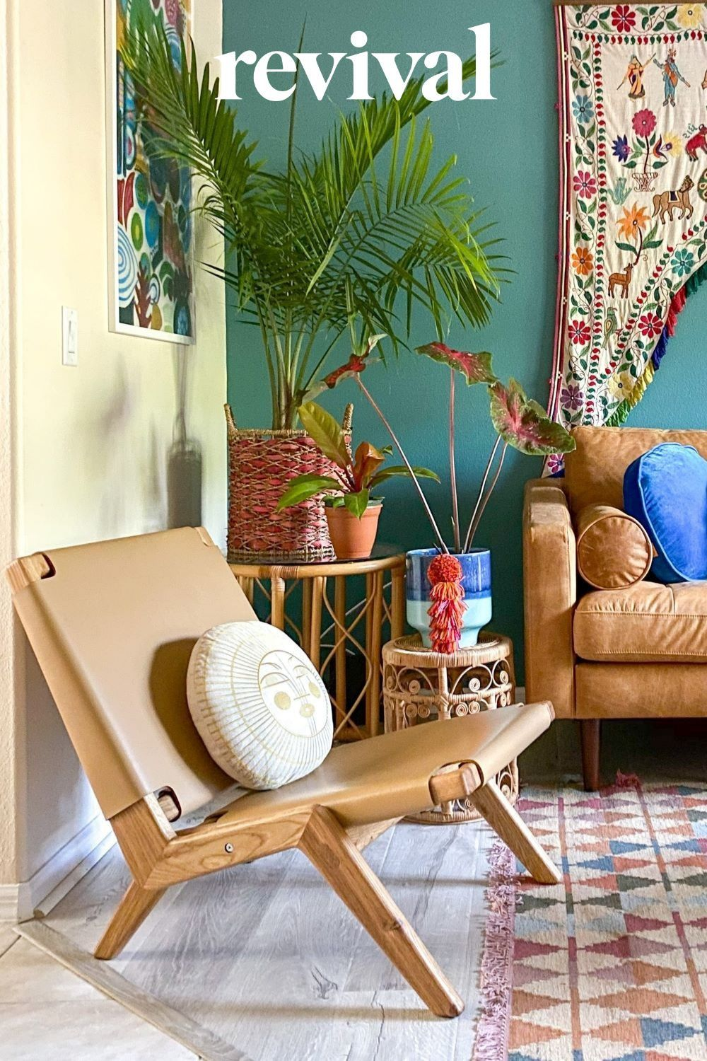 Living room decor ideas with a foldable leather chair, only at Revival Rugs! Photo by @mango_manor #interiorstyling #interiorinspo #designinspo #interiorstyle #interiordetails #revivalrugs #interiorideas #interiorstyling #interiorinspo #lovefordesigns #homedecor #homedesign #homeinspo #designideas #lonnyliving #inmyhouzz #houzz #interiordesign #vintagerugs #livingroomdesign #leatherchair #livingroomdecor