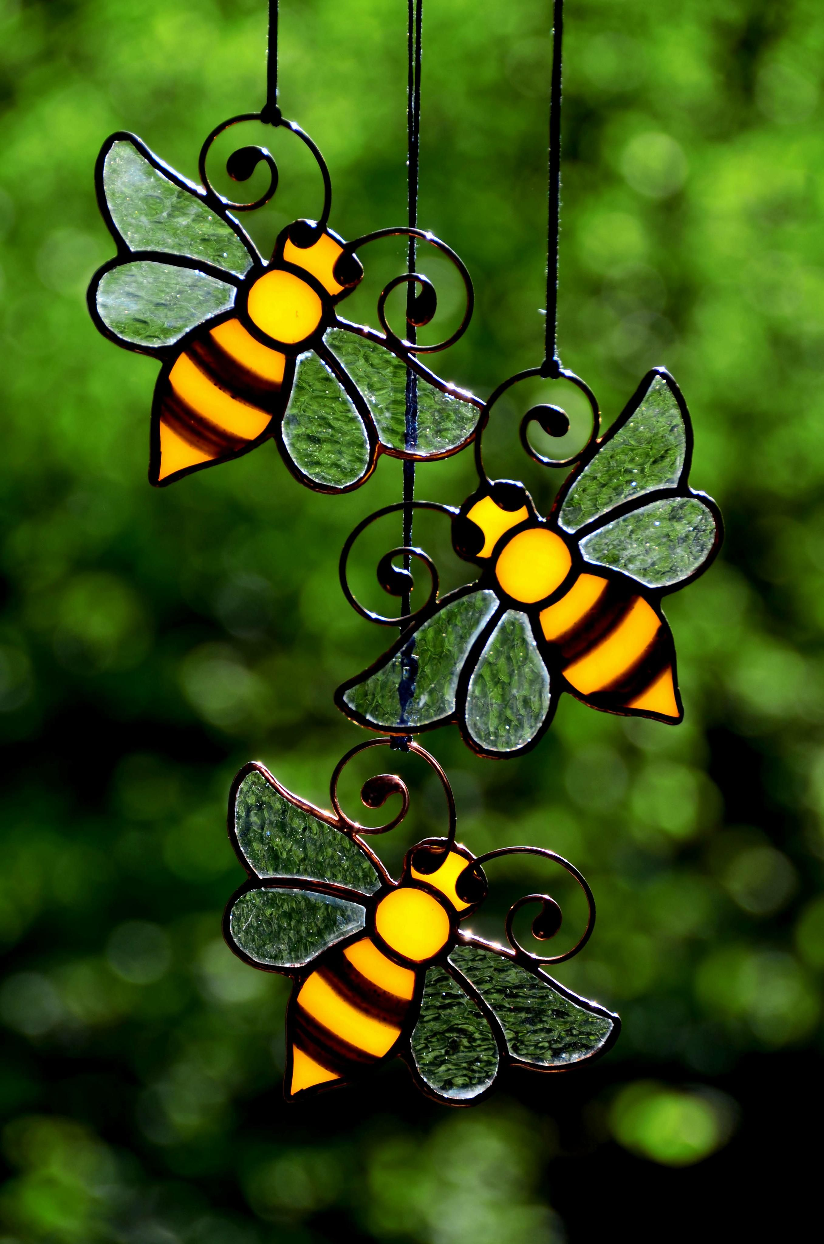 Honey Bee Decor Stained Glass Bee Suncatcher Garden Decoration Beekeeper Gift Windows Dec Stained Glass Suncatchers Honey Bee Decor Stained Glass Ornaments