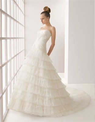 Gorgeous Vintage lace/organza a-line strapless court train wedding dresses MLVB0053