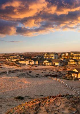 Secluded Monterey Bay Resort + Wine & Appetizers - A Quiet Retreat for Two in Monterey Bay