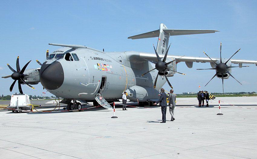 Airbus A400m Luftfahrt Flugzeug Kampfflugzeuge