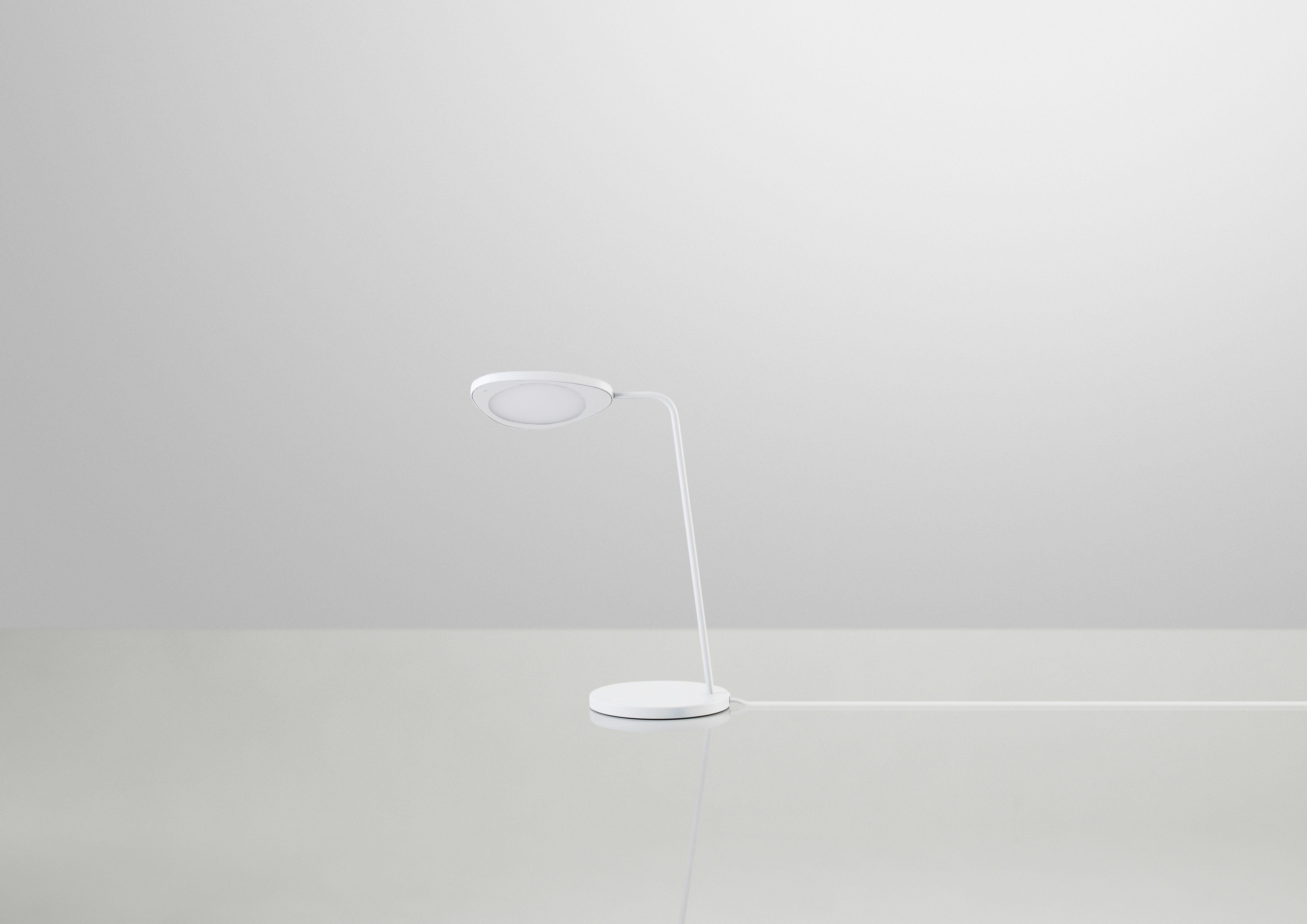 Leaf table lamp / Broberg & Ridderstråle / Muuto